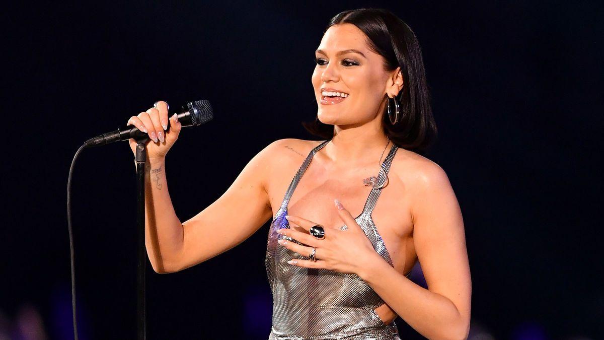 J  nackt Jessie Jessie J
