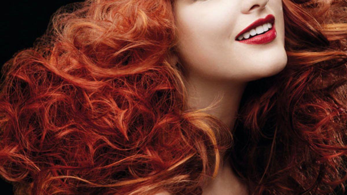 Rote Haare Mit Verschiedenen Strähnchen