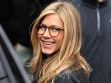 Jennifer Aniston mit Brille
