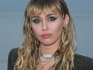 Miley Cyrus Grunge Frisur So Stylt Ihr Den Coolen Look Nach