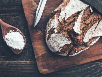 Warum Schenkt Man Zum Einzug Brot Und Salz