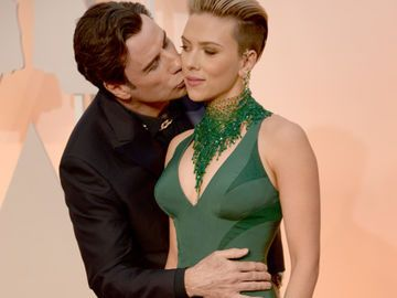 john-travolta-touching-scarlett-2029468.jpg