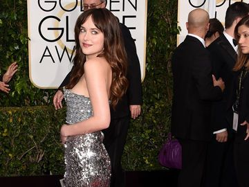 dakota-johnson-golden-globes-2017472.jpg