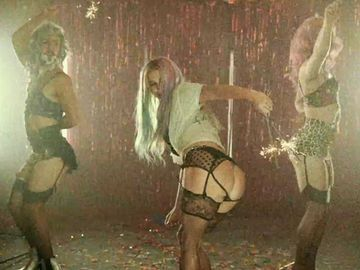 kesha-dirty-love-po-480x360-1902927.jpg