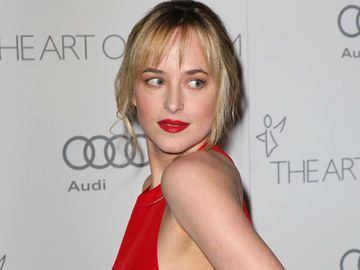 dakota-johnson-1851859.jpg