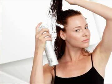 Luftige Frisur Mit Leichten Wellen