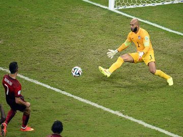tim-howard-cristiano-ronaldo-save-1964931.jpg