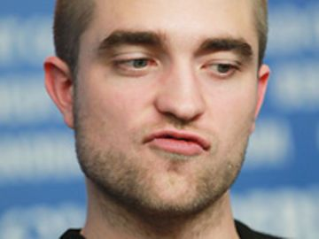 Robert Pattinson mit Buzz Cut