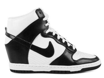Nike Wmns Dunk Sky Hi Sneaker