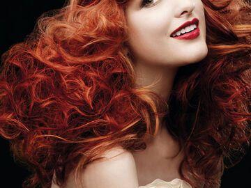 Rote Haare Mit Verschiedenen Strahnchen