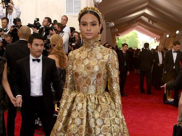 Courtney Eaton MET Gala 2015 in Dolce&Gabbana