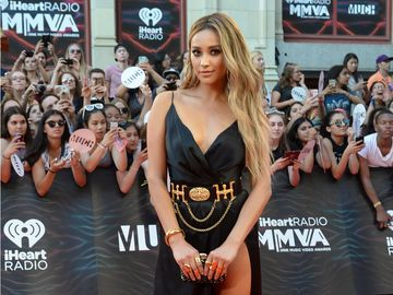 Much Music Video Awards 2016 - Shay Mitchell