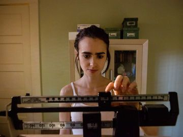 Lily-Collins-To-The-Bone-Netflix-2