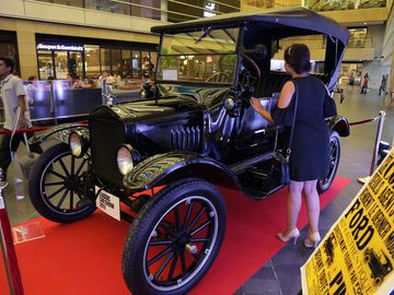auto-legenden-ford-model-t_2000x1500