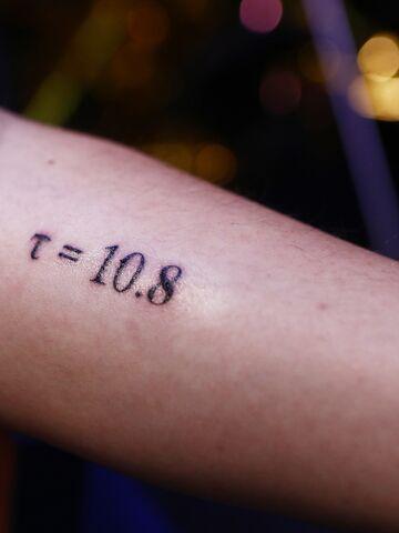 Tattoo Schriftzug Rippen Männer Tattoos Für Männer