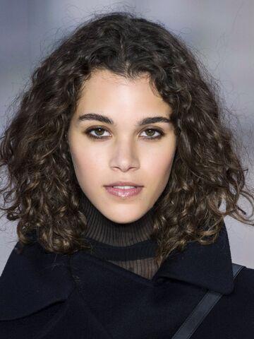 Haare Wachsen Lassen Die Besten übergangsfrisuren