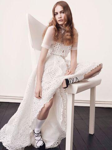 finest selection 6caef 0a3c6 Günstige Brautkleider: Looks für mehr Flitterwochen-Budget