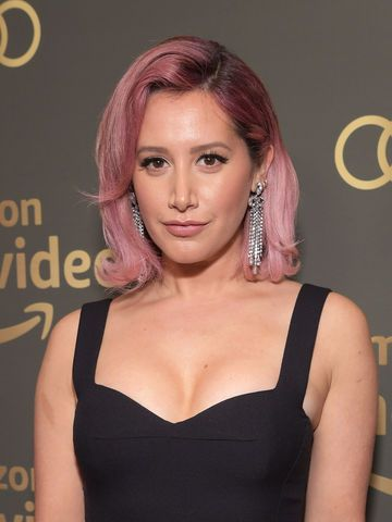 Ashley Tisdale mit rosa Haar