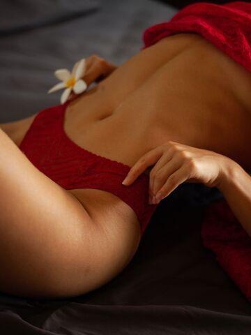 Frau schambehaarung Lebensechte Sexy