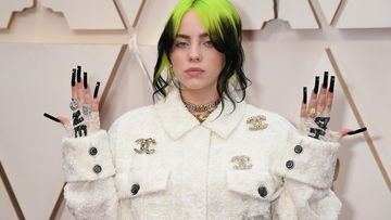 billie eilish kostüm chanel