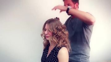 messy-updo-video-anleitung-480x270-2037659.jpg
