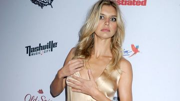 kelly-rohrbach-sports-illustrated-party-480-2026407.jpg