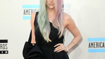 kesha-split-hair-2054085.jpg