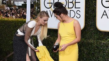 Sophie Turner Maisie Williams Kleid Hilfe