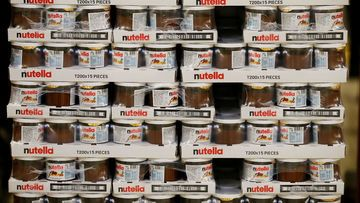 Nutella Wand Stapel